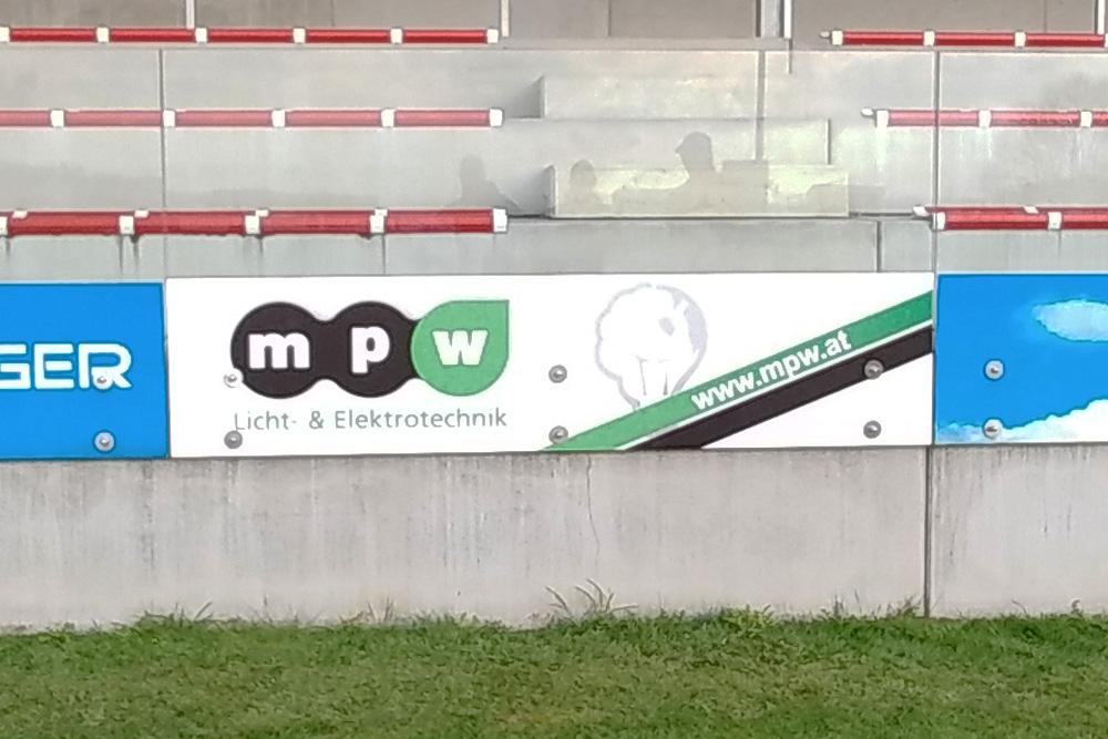 sportplatzschild