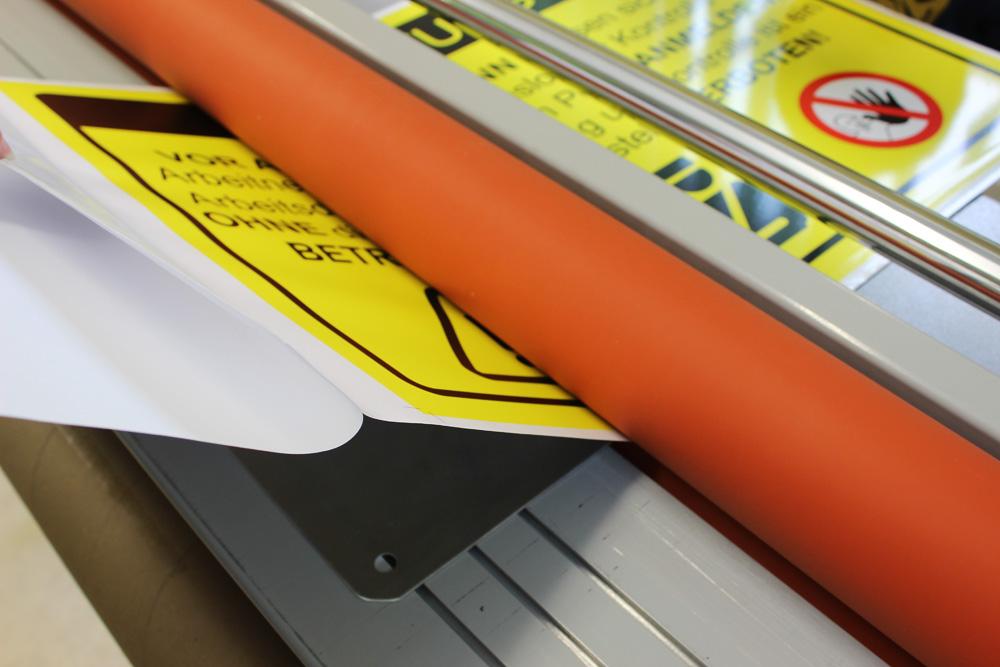 aluschilder mit aufkaschierter digitaldruckfolie