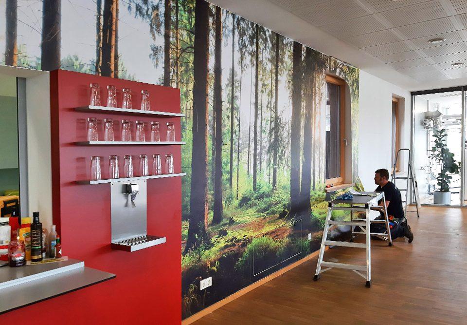 wandfolierung mit digital bedruckter, selbstklebender wandtapete