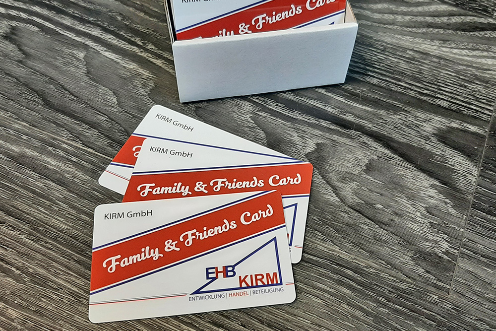 plastikkarten im kreditkartenformat